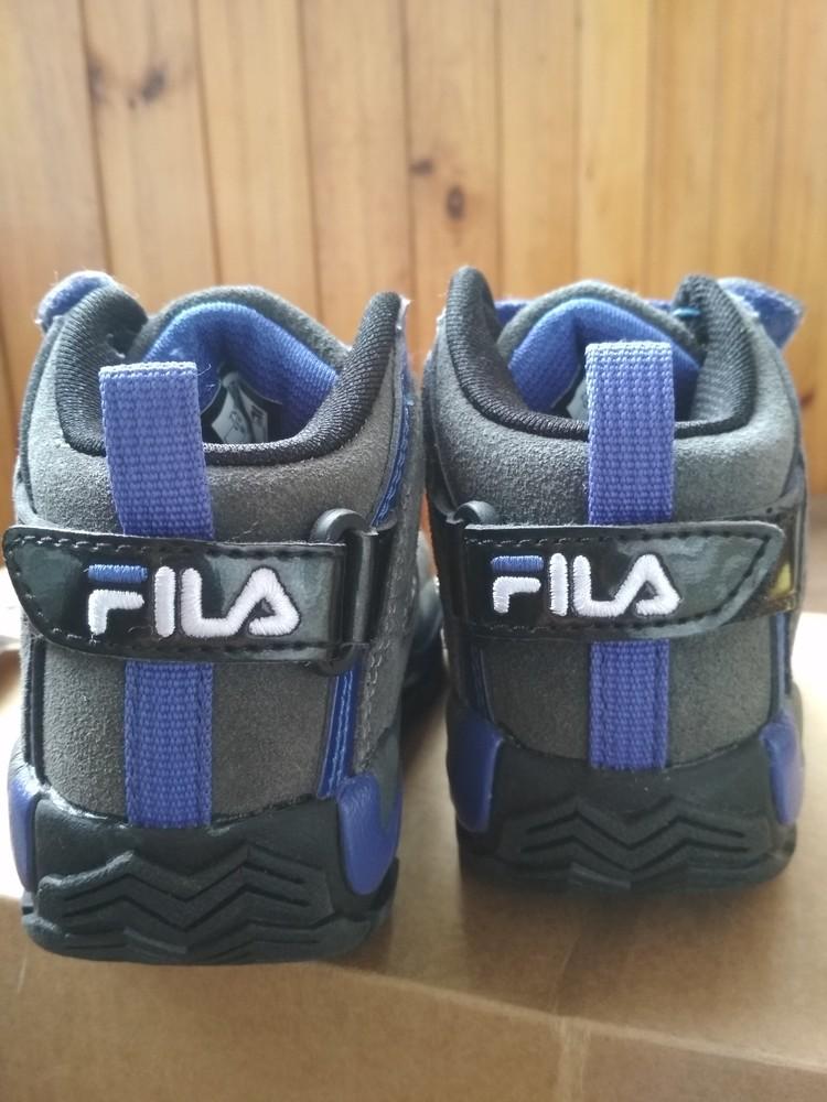 Детские новые демисезонные кроссовки fila usa, оригинал , размер us9 eur 26, 17см фото №2