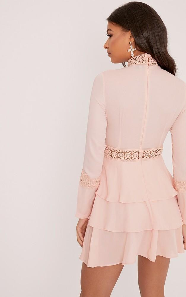 Prettylittlething шикарное пыльно-розовое платье с кружевом, р.16 фото №4