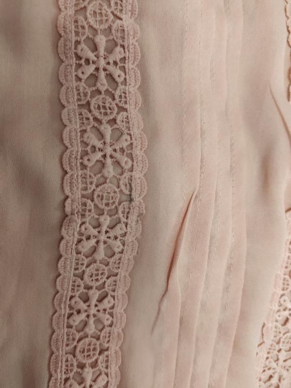 Prettylittlething шикарное пыльно-розовое платье с кружевом, р.16 фото №10
