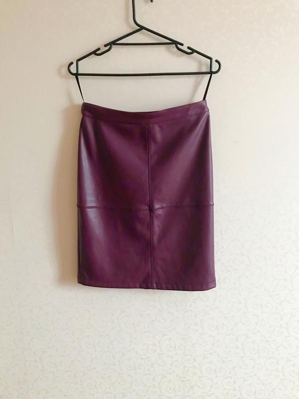 Юбка миди, юбка эко кожа, облегающая юбка, юбка вишневого цвета,vila,юбка карандаш фото №4