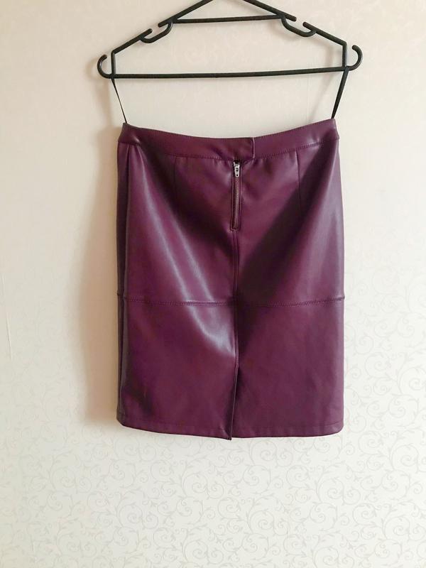 Юбка миди, юбка эко кожа, облегающая юбка, юбка вишневого цвета,vila,юбка карандаш фото №6